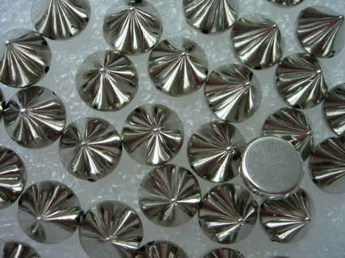 SU02 Pyramid Spike Studs Rivet Punk Silver Sew On 8x10mm 30pcs
