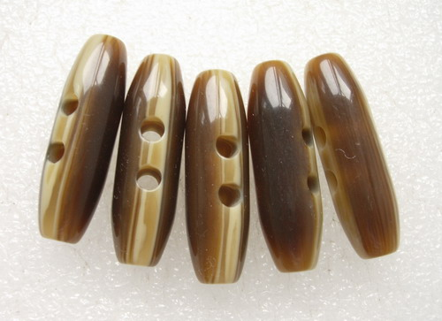LU21 49mm Natural Lucite Toggle Horn Buttons Barrel Shape 4pcs