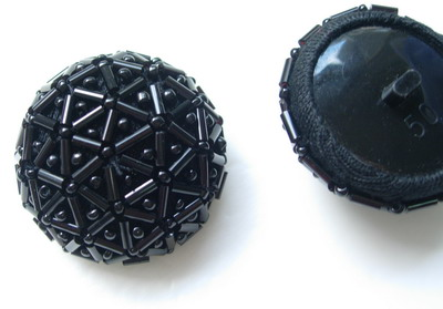 BT29 Unique Bugle & Beaded Dome Button Knot Black