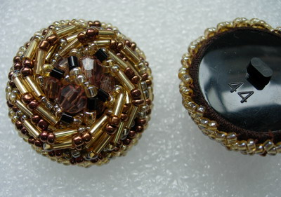 BT41-2 32mm Beaded Bugle Dome Button Gold Brown