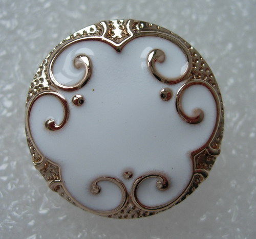 BZ28 22mm Classic Floral Enamel Buttons Gold White 4pcs