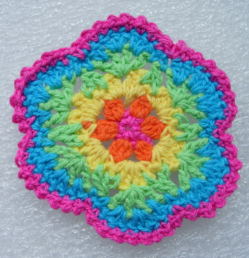 CR15 Crochet Applique Motif Rainbow Flower Sewing Trim 5pcs