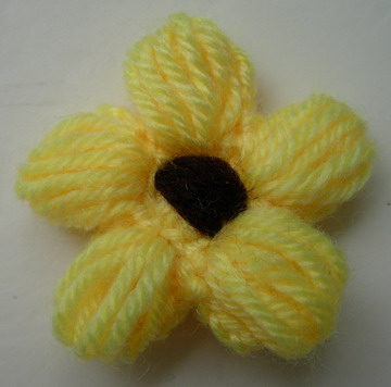 CR87 Wool Mohair Crochet Starflower Applique Motif Yellow x5