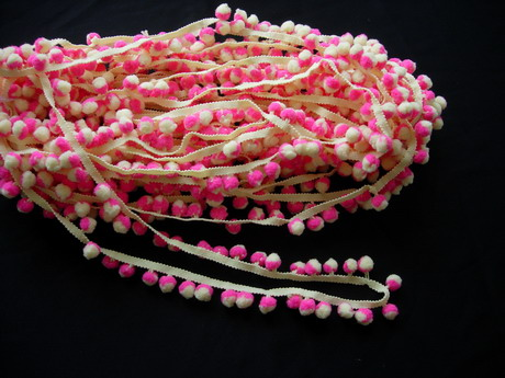 FR123 25mm Wide Pom Pom Fringe Tassel Braided Trim Fuchsia Be 5y