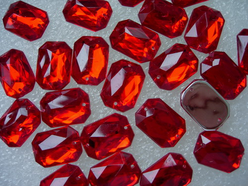 RA100 13x18mm Red Octagon Acrylic Gemstones Sew On 20pcs