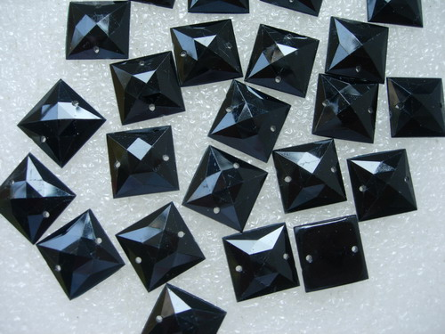 RA110 15x15mm Black Square Acrylic Gemstones Gems Sew On 30pcs