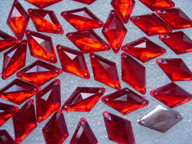 RA32 10x18mm Red Rhombus Diamond Acrylic Gemstones Sew-On 30pcs