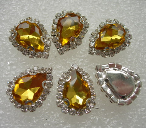 RM104 10x14 Gold Teardrop Crystal Diamante w/Setting 6pc