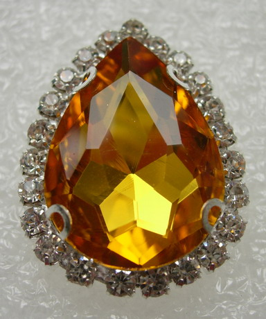 RM108 18x25 Teardrop Gemstone Diamante w/Setting Amber