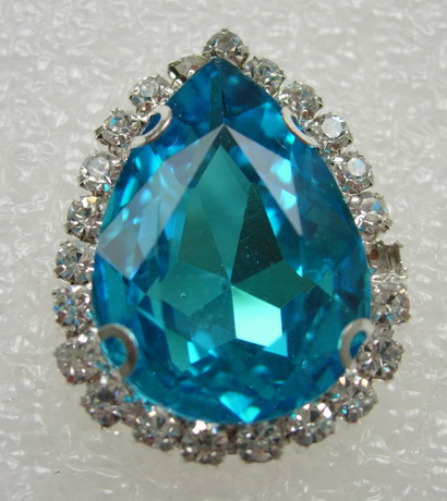 RM109 18x25 Teardrop Gemstone Diamante w/Setting Turquoise