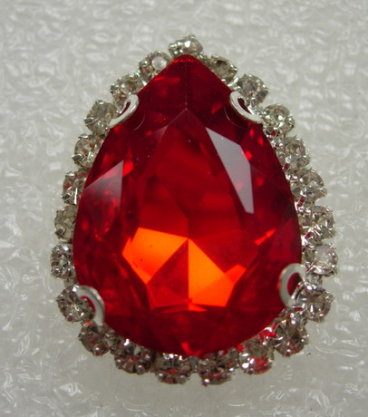 RM110 18x25 Teardrop Gemstone Diamante w/Setting Red