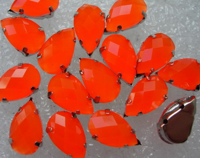RM32 13x8mm Neon Orange Teardrop Lucite Gemstones w/Setting 20pc
