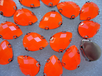 RM39 13x18mm Teardrop Neon Orange Resin Gemstones w/Setting x20