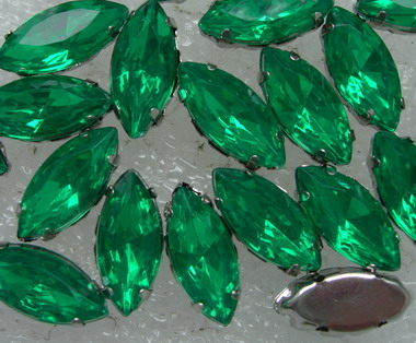 RM92 7x15mm Green Navettes Acrylic Gemstones with Setting x20