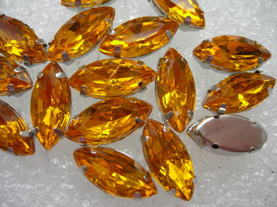 RM93 7x15mm Gold Navettes Acrylic Gemstones with Setting x20