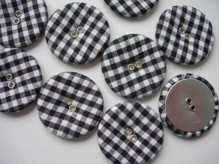 DM16 28mm Checkered Fabric Covered Buttons Black 10pcs