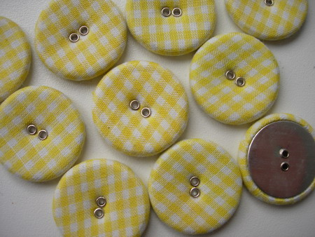 DM19 28mm Checkered Fabric Covered Buttons Yellow 10pcs