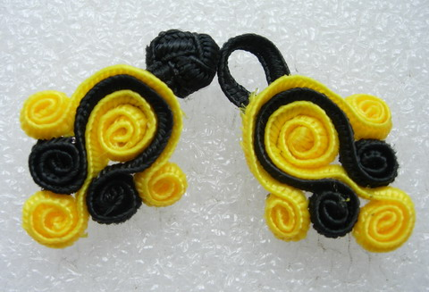 FG125-4 Chinese Frog Closure Buttons Coils Dots Yellow Black 5pr