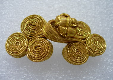 FG216 Metallic Ribbon 3Coils Frog Closure Buttons Knots Gold 5pr