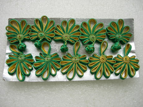 FG232-7 Ribbon Fan Chinese Closures Buttons Knots Green Gold 5pr