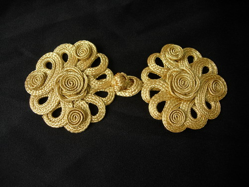 FG361 Metallic Gold Trim Rose & Loops Corded Closured Knot