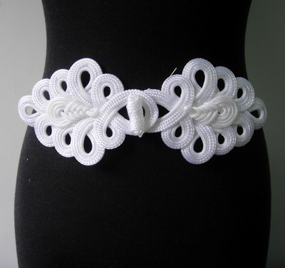 MR05-10 Braided Loops Macrame Fastener Frog Closure Knot White
