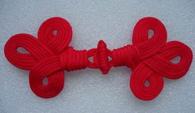 MR108 Fluer De Lis Macrame Fastener Closure Knots Red