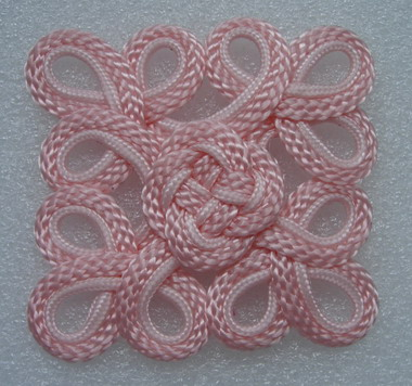 MR118 Square Celtic Macrame Ornament Light Pink