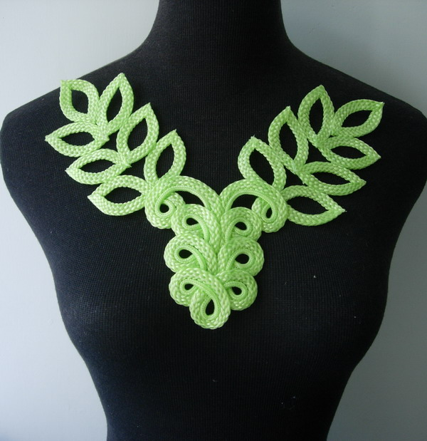MR126-2 Macrame Corded Braided Floral Leaves Neck Collar Lime