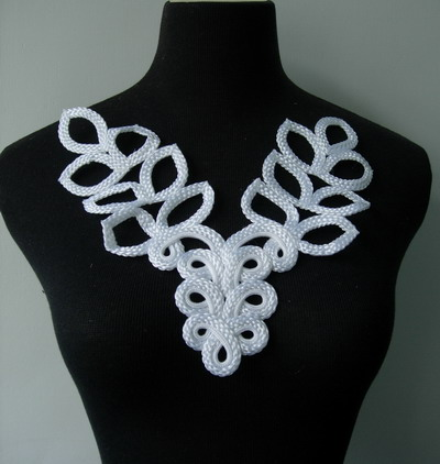 MR126 Macrame Corded Braided Floral Leaves Neckline Collar White