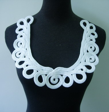 MR144 White Corded Loopy Neckline Collar Applique Motif