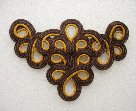MR59-6 2Tone Brown Loopy Neck Front Braided Cord Applique Motif