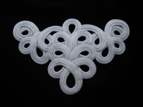 MR59-9 White Loopy Neck Front Braided Cord Applique Motif