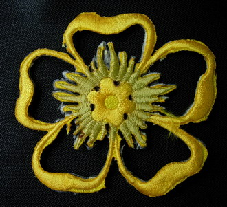 PT09-6 Yellow Petals Flower Embroidered Cutwork Iron On Patch x2