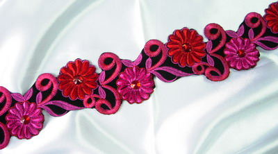 PB38 Fuchsia Swirl Floral Trim Lace w/Gem Patch Motif 21""