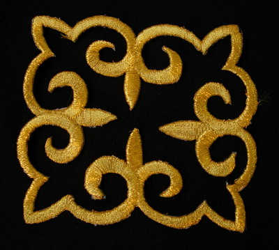 PB99 Medieval Fluer De Lis Trim Embroidery Cutwok Patch Gold