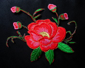 PT120 Red Trim Flowers Embroidery Patch Applique
