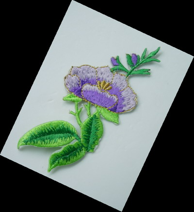 PT148 Trim Flower Embroidery Patch Applique Iron On Lavender x4