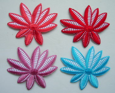 PT180 Multicolors Flower Leaf Embroidered Patch Assorted 4pcs