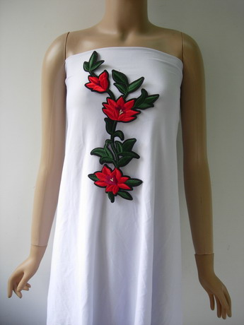 PT206 Red Floral Embroidery Patch Applique Iron On Fashion