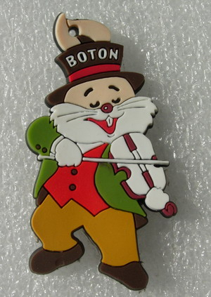 RB23 BOTON Cartoon Play Violin Rubber Collectible Patch Badge