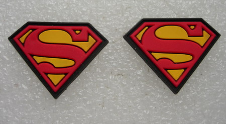 RB24 Superman S Chest Collectible Rubber Badge 2pcs