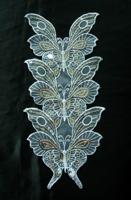 VA17 Tri-Butterfly Sequin Venise Applique White