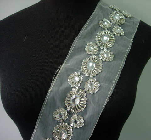 "BN118 2"" Flower Sequined Beaded Gemstone Trim Banding Silver 1Y"