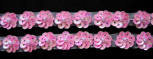 BN40 Pink Iris Mini Sequin Flower Applique Banding 40pcs
