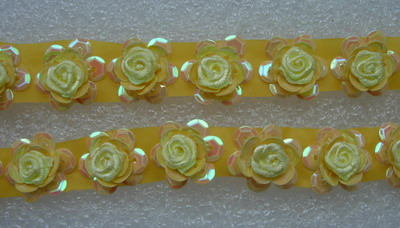 BN99 Tier Flower Ribbon Sequins Beads Applique Banding Yellow 30