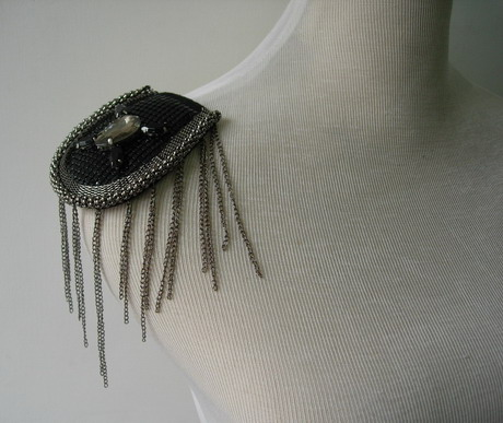EP85 Punk Cool Fringed Chains Gems Epaulette Shoulder Applique
