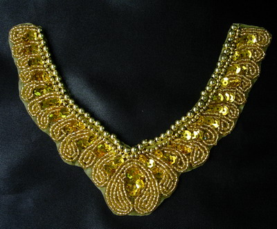 NK154 Vintage Jewel V Neck Collar Beaded Sequins Applique Gold