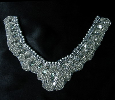NK155 Vintage Jewel V Neck Collar Beaded Sequins Applique Silver
