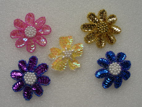 FW14-9 Petals Flower Sequin Bead Applique Assorted Color 5pcs